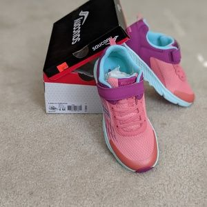 Saucony girls tennis shoes